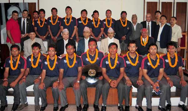 क्रिकेट कुटनीति तर्फ देश अघि बढोस्